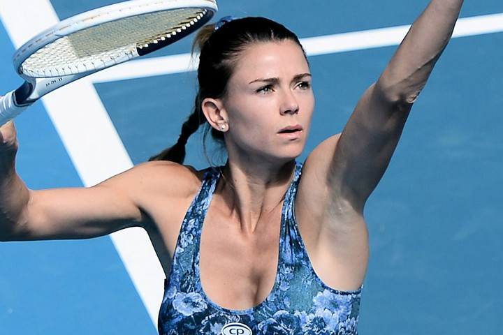 """美女テニス選手ジョルジが公開したミニスカ""""馬乗り""""ポーズに「ゴージャスでセクシー」とファンが反応"""