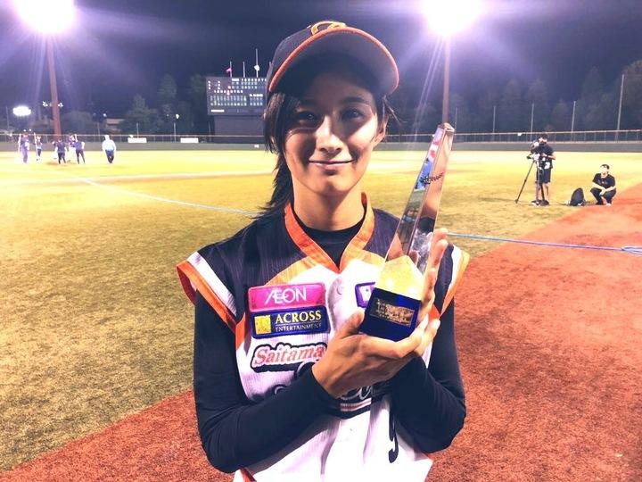 女子野球界に激震! 「美人すぎる」女子プロ野球選手・加藤優ら